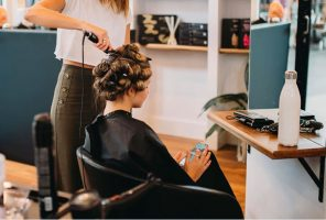 How to pick a hair salon that is right for you?